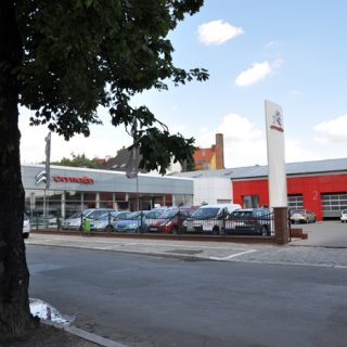 Citroen showroom extension
