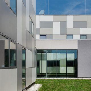 Budynek wysokich technologii IT i centrum przetwarzania danych
